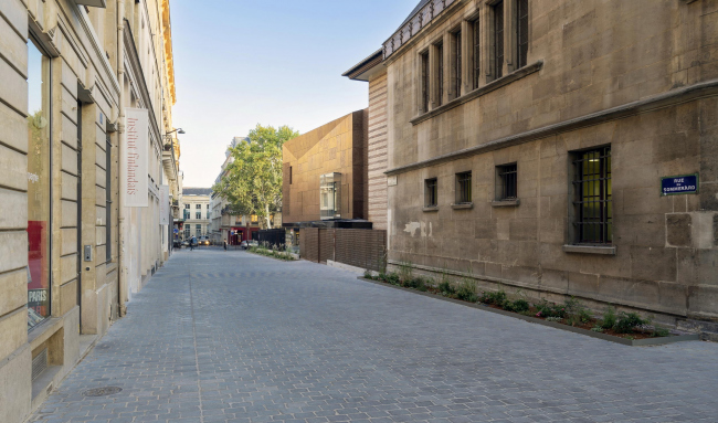 Новый вход и вестибюль музея Клюни © Célia Uhalde
