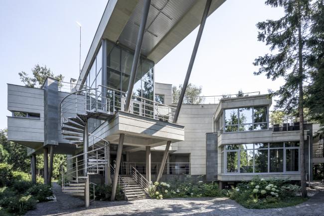 The ZEPPELIN House. Studio of Roman Leonidov © Photo courtesy by the architect