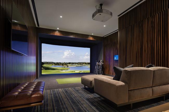 Башня 15 Hudson Yards. Комната симулятора игры в гольф. Фото:  Scott Frances для Related-Oxford