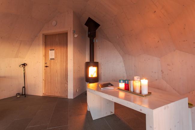 Хижина Varden в Хаммерфесте, Норвегия. Фотография © Tor Even Mathisen / Spinn Arkitekter