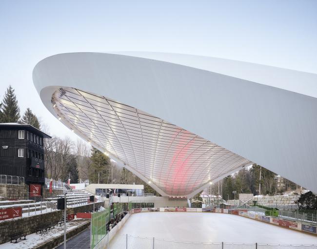 Ледовый стадион Schierker Feuerstein Arena. Фото © Michael Moser