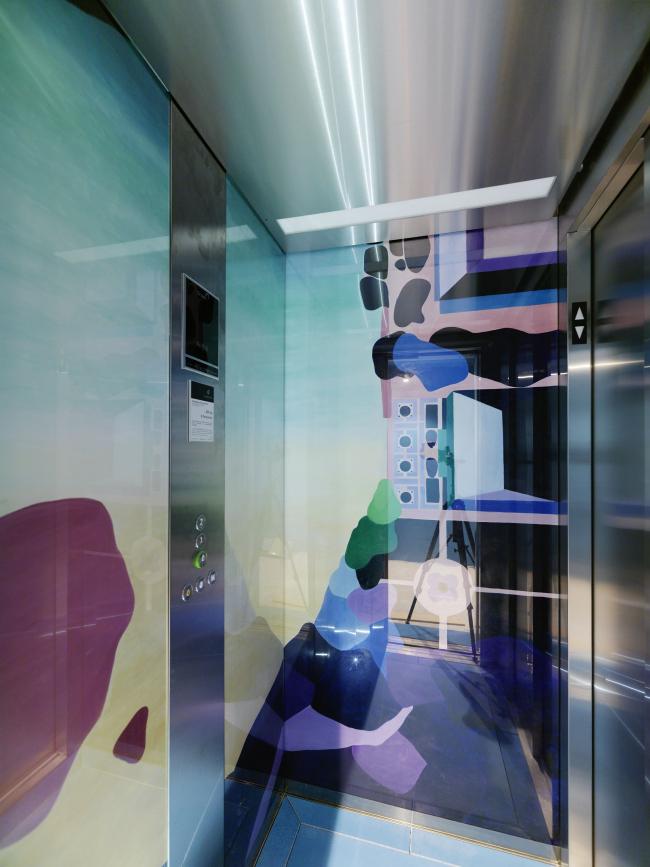Дом «Гештютхалле – Тайное сокровище». Лифт с художественной росписью. Фото © Paul Ott