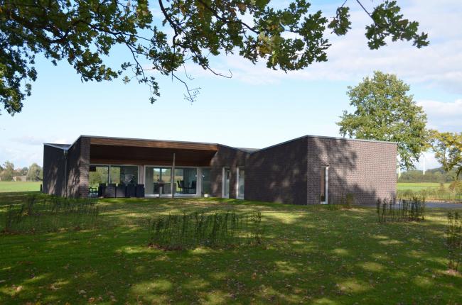 Дом на отцовском наделе на хуторе Рюкамп в Эннигере. Бюро  hartmann|s architekten