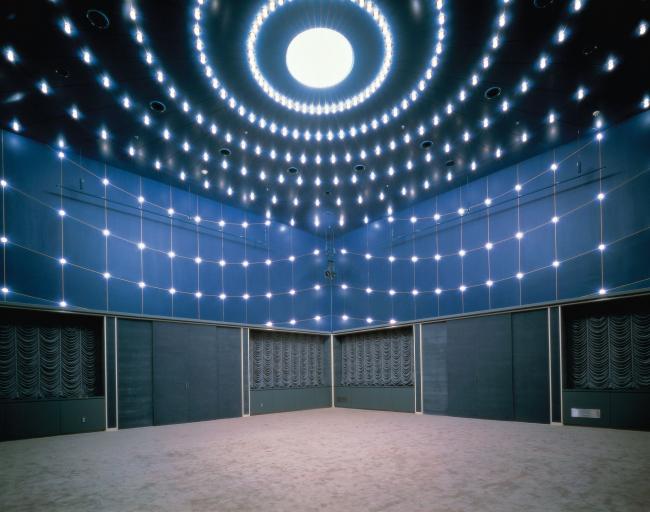 Комплекс «Цукуба-центр» в Цукубе. 1983