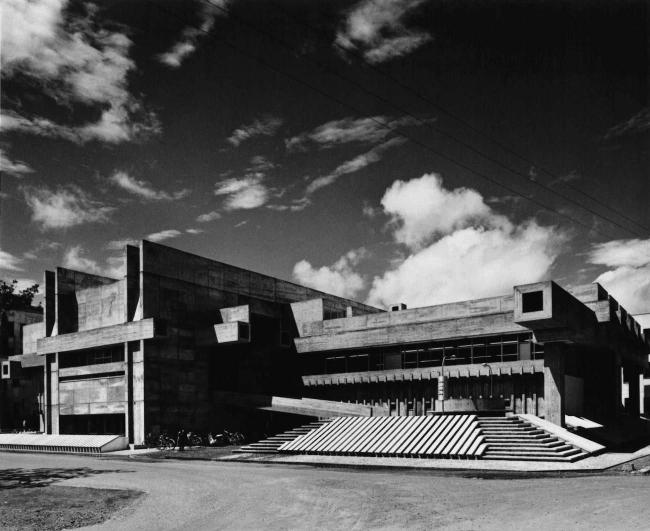 Библиотека префектуры Оита в городе Оита. 1966