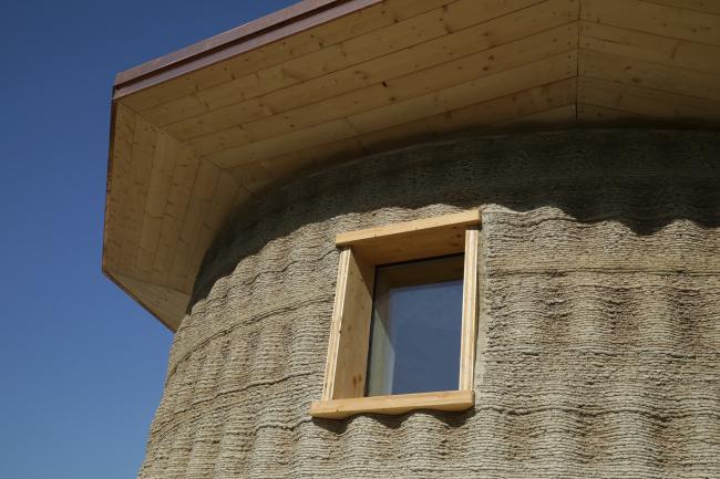 Экспериментальная постройка в коммуне Масса-Ломбарда, регион Эмилия-Романья, Италия
