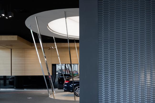 Дилерский центр для Mercedes-Benz и Audi на территории ЗИЛ
