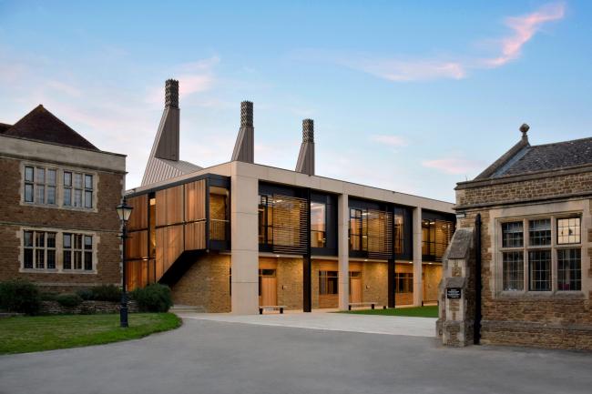 Центр точных и естественных наук и математики школы Чартерхаус