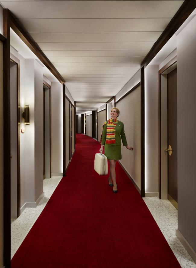 «Образцовый» интерьер коридора TWA Hotel