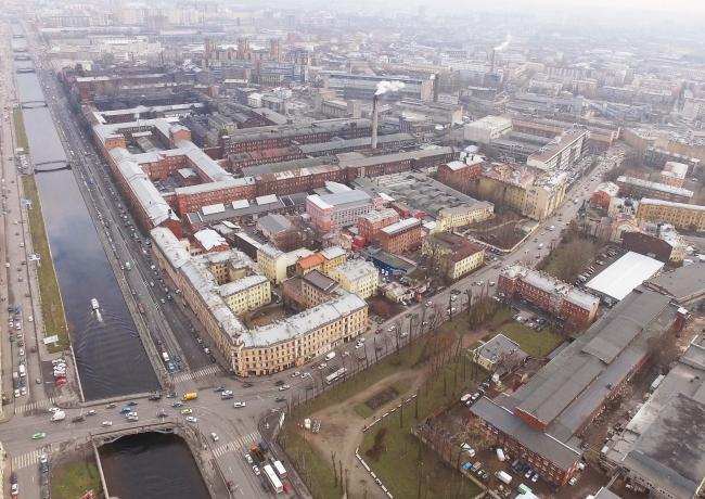 Вид с пересечением наб. Обводного канала и Старо-Петергофской ул. на территории завода «Красный треугольник»