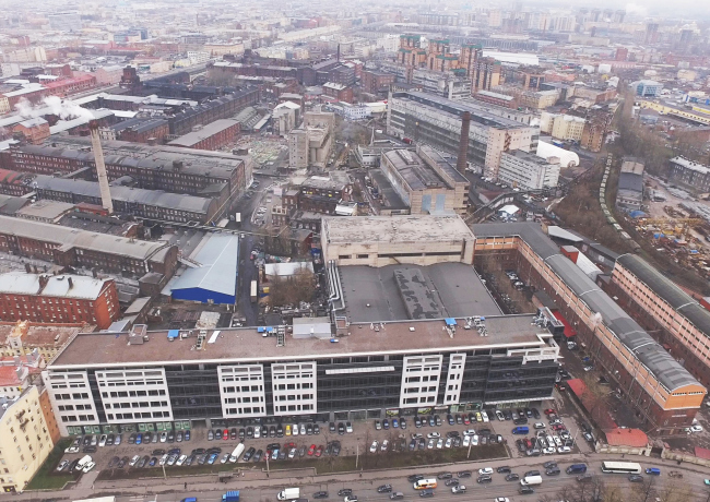 Вид со Старо-Петергофского проспекта на территорию завода «Красный треугольник»