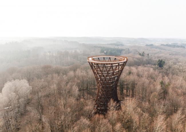 Смотровая башня в парке Camp Adventure