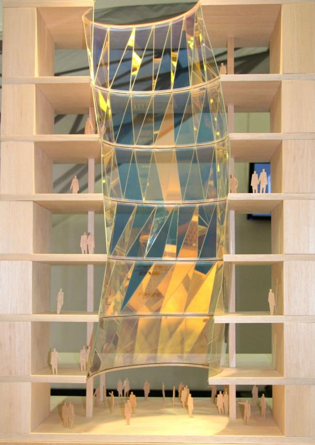 Реконструкция офисного здания на улице Щепкина. Проект, 2009. Атриум: фотография с макета © ADM