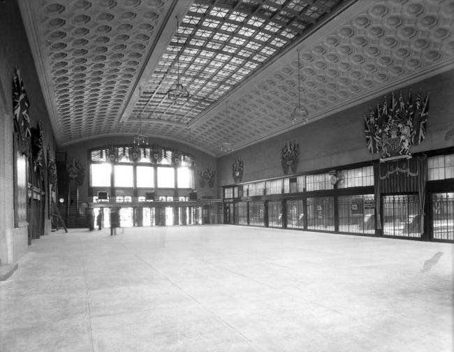Вокзал Юнион-стейшн в Оттаве, где сейчас размещен Сенат