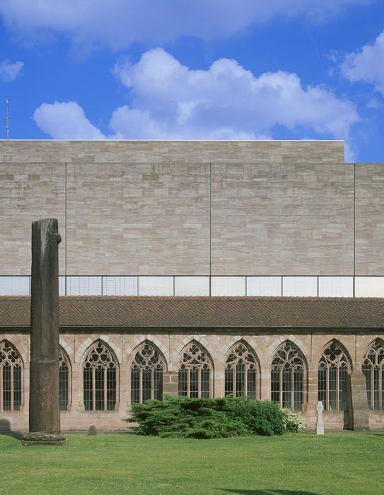 Восточное крыло Национального музея Германии (1953-1976) в Нюрнберге