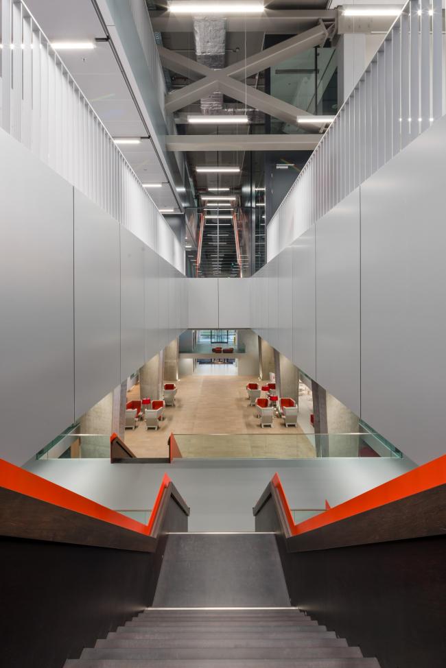 Atlas – главное здание Технического университета Эйндховена