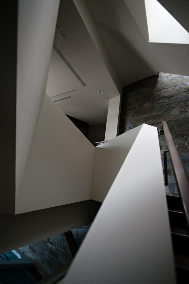 Дом «Пружина»: лестница