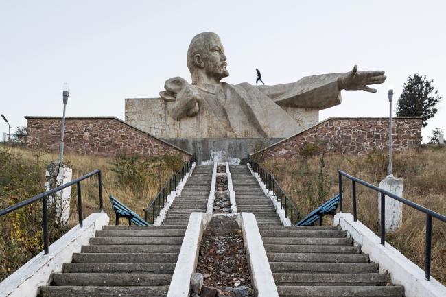 Памятник Ленину в Истаравшане (Таджикистан). 1965