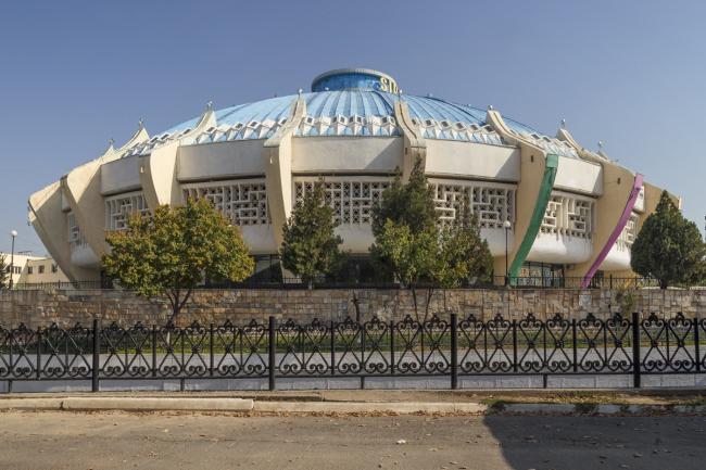 Цирк в Ташкенте. 1976. Архитекторы Г. Александрович, Г. Масягин