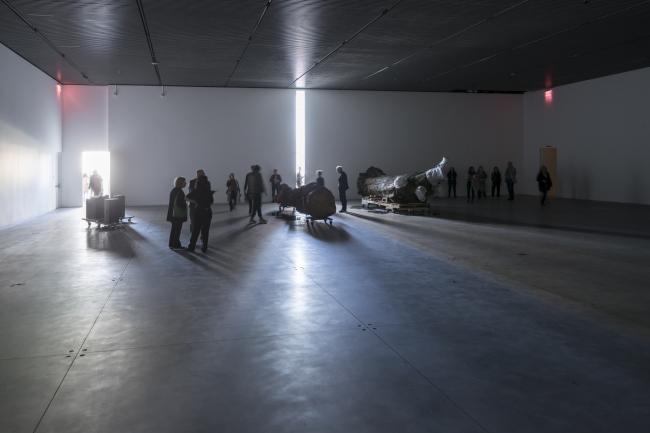 Культурный центр The Shed – здание Bloomberg. Монтаж выставки Триши Доннели