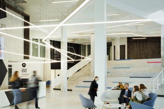Библиотека и учебный центр Hexagone