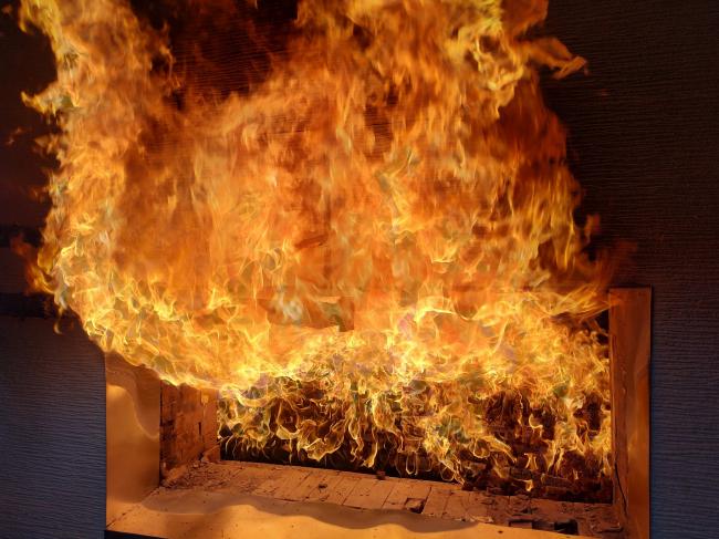 Испытание панелей огнем