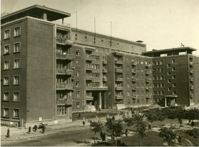 The housing project in Leningrad. A competition project. THe first prize, 1932