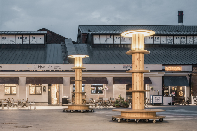 Светильники-катушки на бульваре. Севкабель ПОРТ / проект АБ «Хвоя»