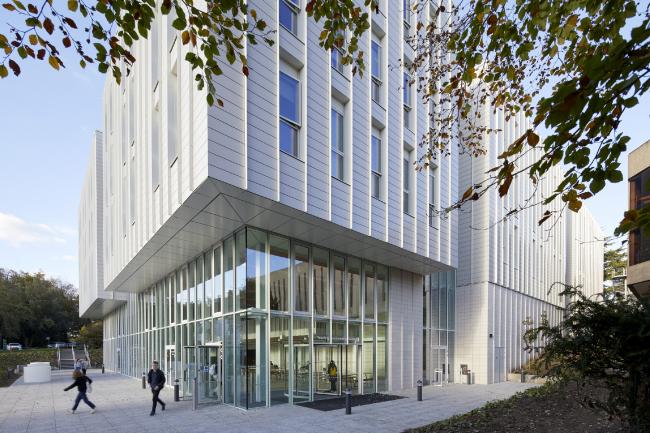 Учебно-образовательный центр Университета Ноттингема.  Make Architects