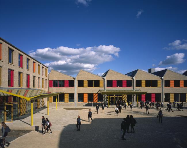 Научно-технологический и учебный центр школы Sevenoaks, Кент.  Tim Ronalds Architects