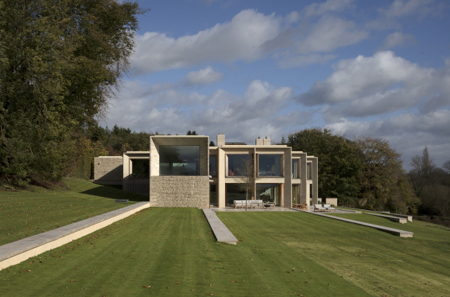 Частный дом Hampshire House, Олсфорд.  Niall McLaughlin Architects