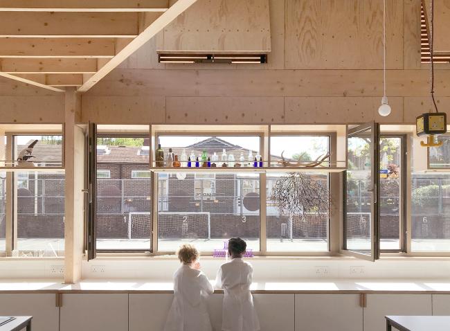 Научная лаборатория Элеонор Палмер, Лондон.  AY Architects