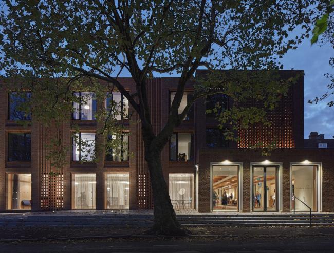 Корпус The Dorothy Garrod Building Ньюнэм-колледжа, Кембридж.  Walters & Cohen Architects