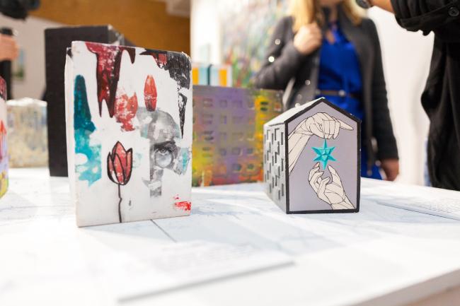 Выставка «масштаб 1:100» в арт-резиденции VYKSA AIR Авторы – творческая группировка из Омска Саша Хохлова и Дима Рубэн. Арт-Овраг 2019. Выкса