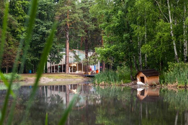 Вид на «павильон Будущего» – главный объект фестиваля «Арт-Овраг 2019»