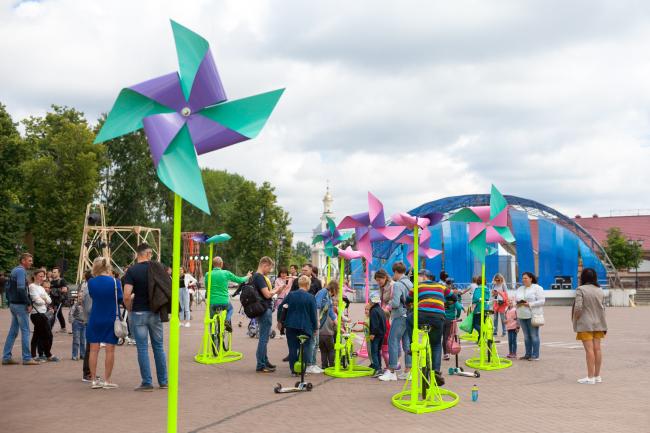 Инсталляция «Фабрика будущего». Автор Мария Кечаева. Арт-Овраг 2019. Выкса