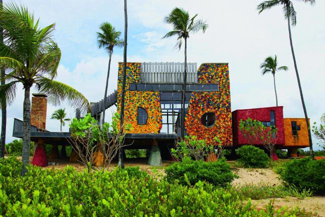 Загородный дом в Итасимирине, Бразилия © Gaetano Pesce