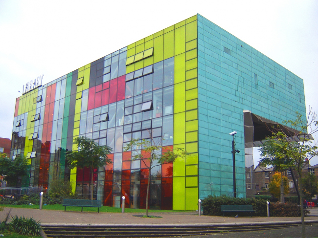 Библиотека района Пекэм. Фото: Fin Fahey via flickr.com. Лицензия CC BY-SA 2.0