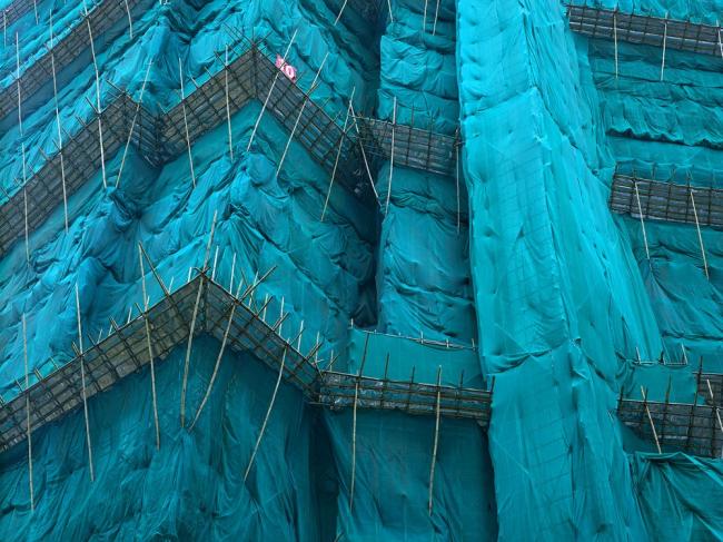 Снимок из серии «Кокон». Гонконг, 2011 год