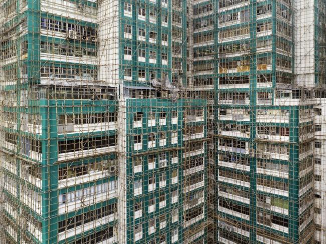 Снимок из серии «Кокон». Гонконг, 2012 год