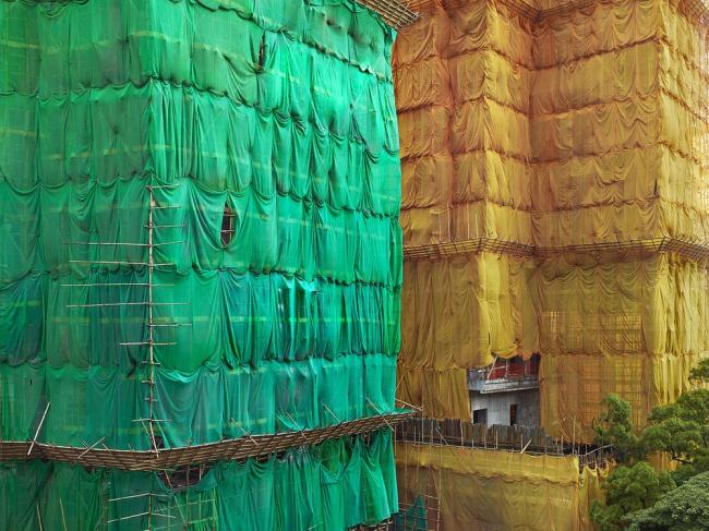Снимок из серии «Кокон». Гонконг, 2013 год