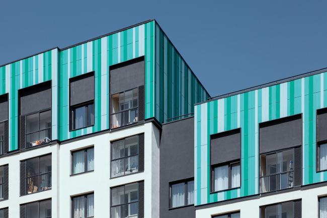 Цветовые акценты на верхних этажах жилых домов