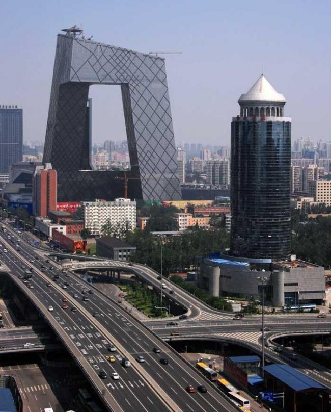 Здание Центрального Китайского Телевидения. Фото © Оле Шерен. Август 2008