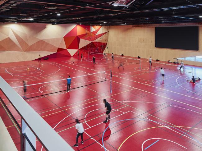 Спортивный комплекс с актовым залом Придхем-холл