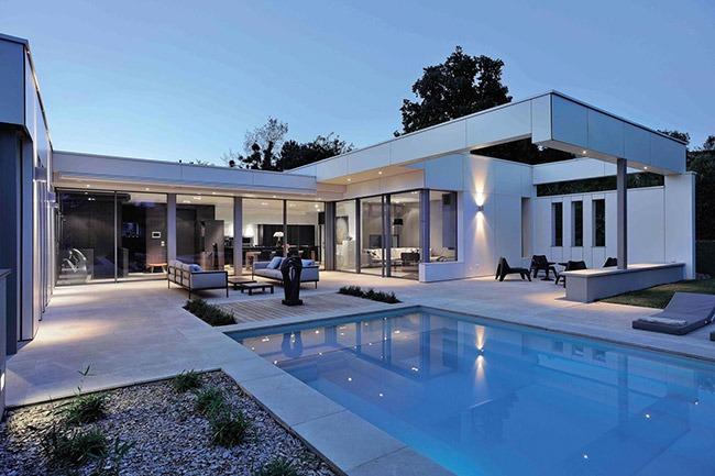 Частная резиденция, Франция; архитектор D.P.L.G. Laurent Guillaud-Lozanne; материал Max Compact Exterior F- Quality, декор 0085 White