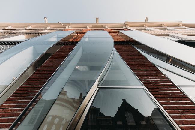 Проект «Зазеркалье» на улице Хофтстрат, 138. Амстердам
