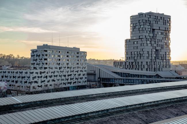 Башня Meret Oppenheim и комплекс Südpark, также спроектированный Herzog & de Meuron
