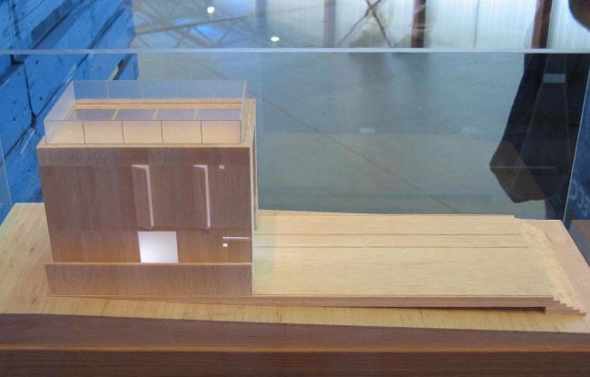 Дом-матрёшка («Экспресс»). Макет на выставке «Арабески» (июнь-октябрь 2007). Архитекторы: Gary Chang(концепция), Тотан Кузембаев, Амина Хазгалеева