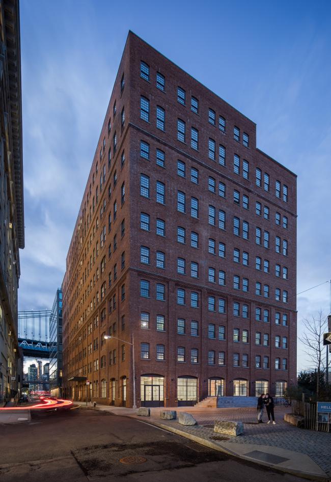 Офисное здание 10 Jay Street