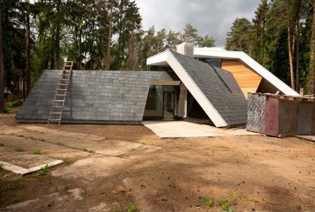 Частный жилой дом в поселке Малаховка